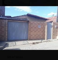 Casa no B. Nova Cidade, 4 Qts DISPONÍVEL