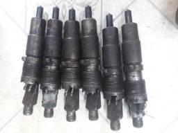 Título do anúncio: Bicos injetores e balanceiros do motor OM449