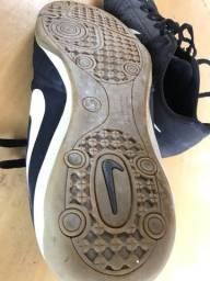 Chuteira Nike (futsal)