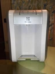 Título do anúncio: Purificador de Água, PE10B, Branco, Bivolt, Electrolux - Semi Novo
