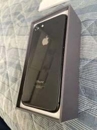 iPhone 8 seminovo sem carregador e fone