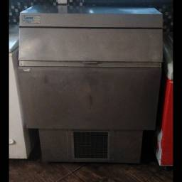 Título do anúncio: Máquina Produtora de Gelos Cristalinos, com Tamanhos de Cubos Ajustáveis