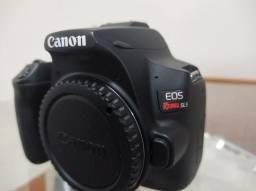 Câmera Canon SL3