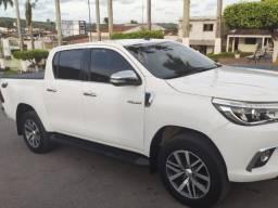 Toyota Hilux Cor (Branca)