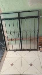 Título do anúncio: Vende-se janela com vidro sem defeitos