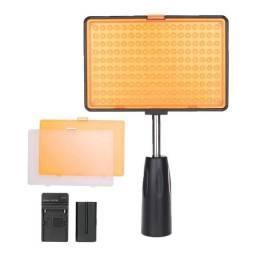 Título do anúncio: Iluminador LED Greika TL-180s - Bateria + Carregador - Novo com Garantia