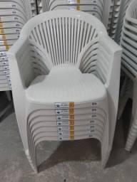 Cadeira com braço (pronta entrega)