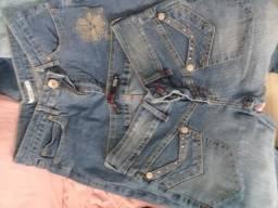 Roupa jeans em ótimo estado ideal para bazar
