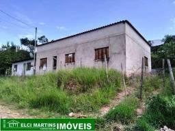 Casa com 03 quartos em São Joaquim de Bicas, laje e telhado