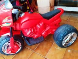 Moto elétrica infantil  ( semi nova)