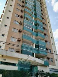 Amplo apartamento no bairro Santa Fé