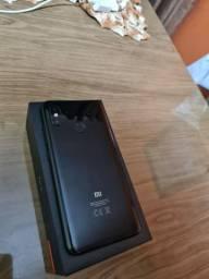 Xiaomi Mi 8 com caixa