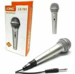 Microfone Prata Com Fio Profissional Dinamico