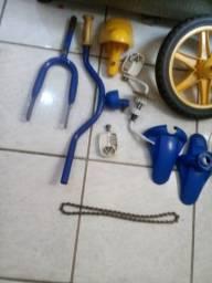 Vendo todas as peças da bicicleta infantil