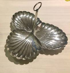 2 petisqueiras lindas em prata, uma sem uso e outra com pouco uso.
