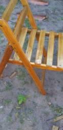 Estou vendendo um conjunto de mesa e cadeiras dobráveis no precinho