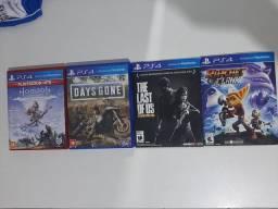 4 jogos de PS4 usado.