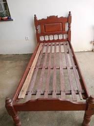 Título do anúncio: 2 camas de solteiro madera em perfeito estado6