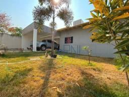 Título do anúncio: Casa com 3 quartos, sendo 2 suítes à venda, 180 m² por R$ 590.000 - Jardim Serra Azul - Ba