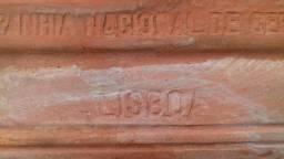 Telha cerâmica plana portuguesa, antiga