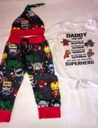 Título do anúncio: Conjunto de super heróis bebê 6 meses Importado