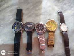 Vendo esses relógios
