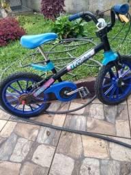 Bicicleta aro 16 em ótimo estado