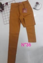 Calça jeans Modeladora