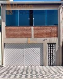 Sobrado para venda com 3 dormitórios sendo uma suíte - R$ 295 mil - Jardim Santo André - S