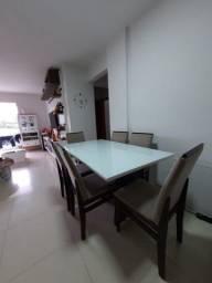 Vendo mesa com 6 cadeiras 1,60 x 0,90