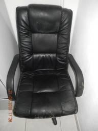 Cadeira executiva com rodízio