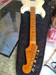 Guitarras e pedaleira ME25 Boss
