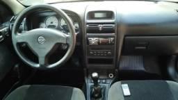 Astra Sedan Elegance 2006 / Prata - 2006