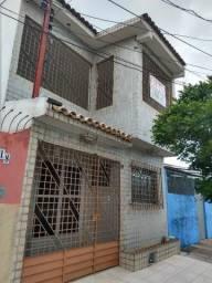 Alugo Casa, 82 9  * no Farol 3 quartos Prox. aos Capuchinhos/Centenário