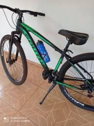 Bike aro 29  freio mecânico nova um mês de uso