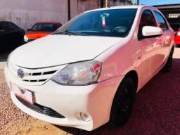 Toyota - Etios Sedan 1.5 XS Completo