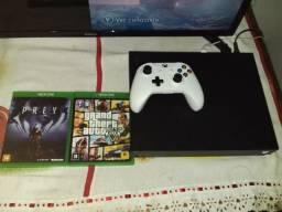Xbox one x + 2 jogos