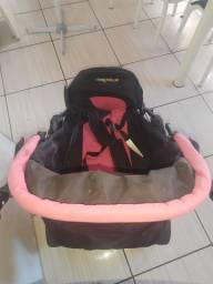 Vendo carrinho de bebê. Semi novo!
