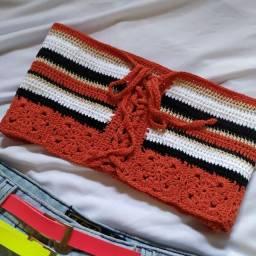 Cropped feito em crochê