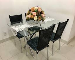 Título do anúncio: Mesa de Jantar com 4 Cadeiras - Tampo de Vidro *Oferta