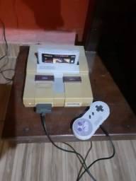 Super Nintendo com 1 controle E uma fita