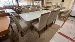 Mesa para sala de jantar espaçosa de 8 completa