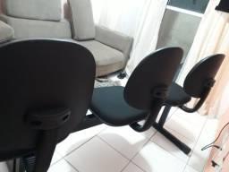 Cadeira pra escritório semi novas $$ 220 reais sou de sbc
