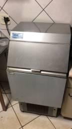 Máquina gelo 75 kg dia