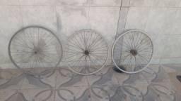 roda pra vendê ,traseira e dianteira,com rolamento e sem rolamento,