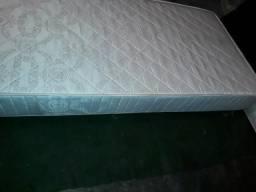 Vendo duas cama box para solteiro em excelente estado valor 300 reais as duas
