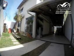 AMPLA CASA DUPLEX 3 QUARTOS COM 1 SUÍTE EM COLINA DE LARANJEIRAS