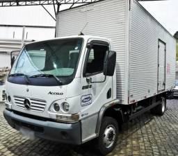 Caminhão Accelo 915C Baú - 2010