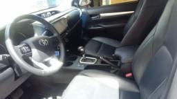 Toyota Hilux diesel primeiro dono bem conservada carro extra - 2018