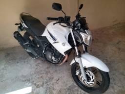 VENDO Moto Fazer 2014